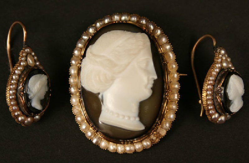 Cameo brooch and earrings, Sallie McGavock 1857