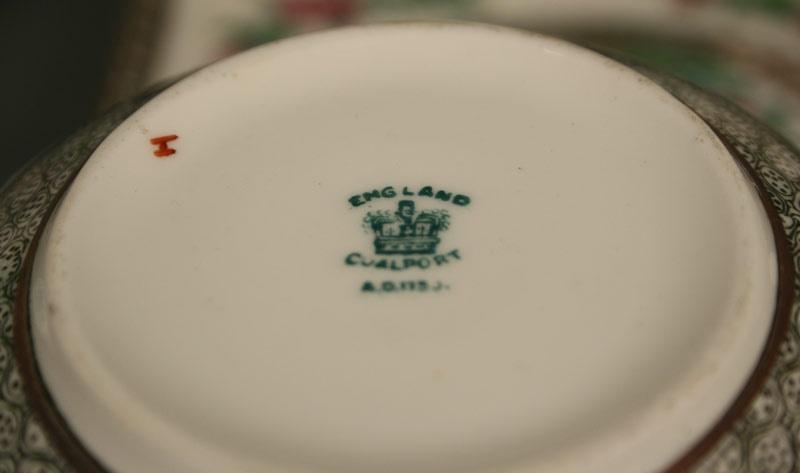 Coalport porcelain dinnerware service, Indian Tree pattern