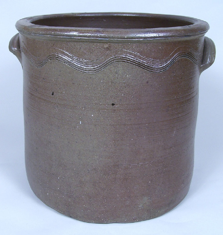 East Tennessee stoneware crock, attributed to Charles Decker (lot #135)