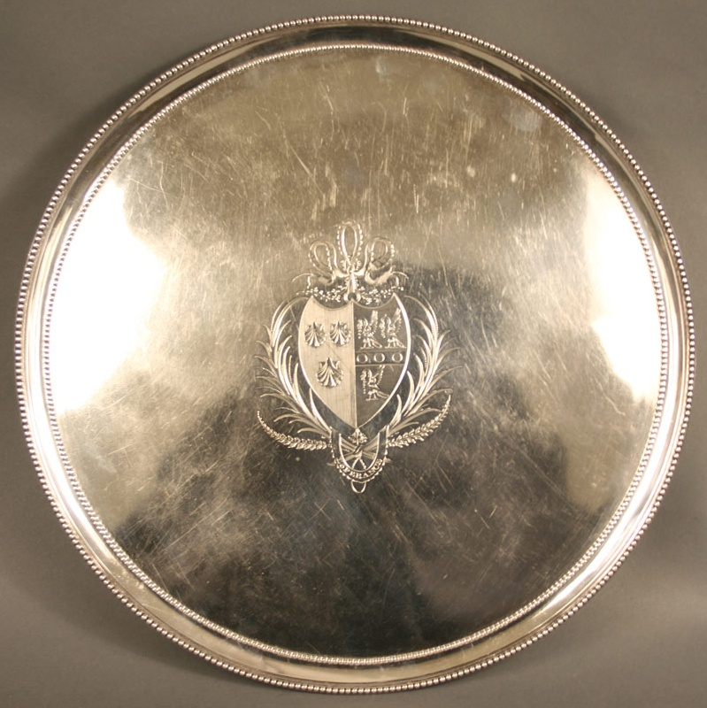 Georgian salver with engraved coat of arms, late 18th century.