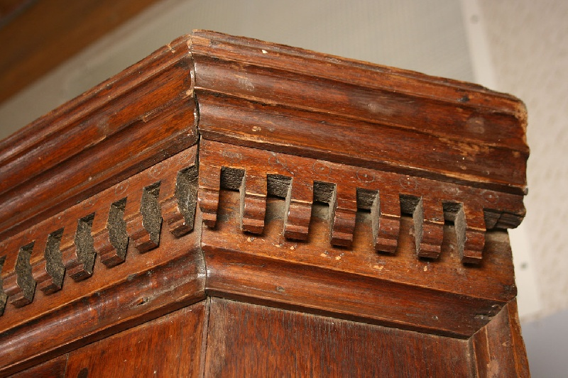 Middle Tennessee corner cupboard, Davidson Co., circa 1820