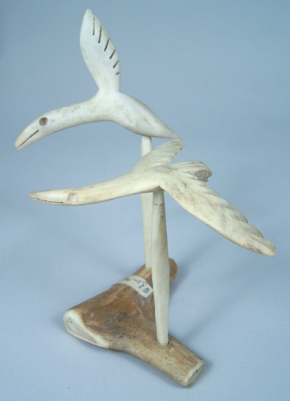 Inuit bird sculpture carving (lot#261)