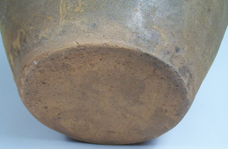 Large North Carolina pottery jar, attributed to Seagle School of the Catawba Valley (lot#45)