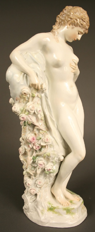 Important Meissen female nude porcelain by Walter Schott.