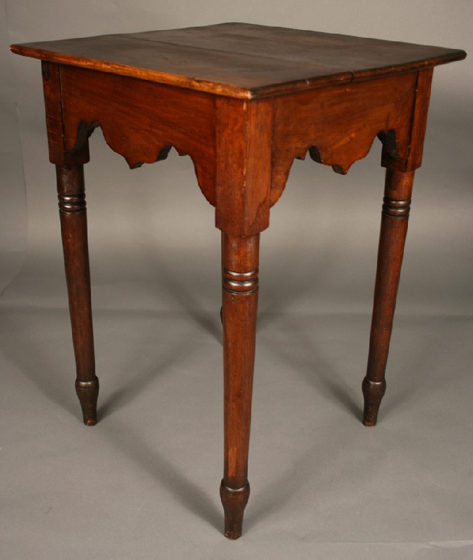 Wythe Co. Virginia scalloped apron table