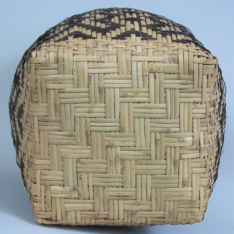 North Carolina river cane basket by Emmaline Garrett, Chief daughters and chain design (lot#52)