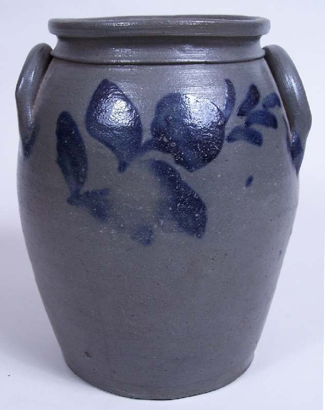 Valley of Virginia small cobalt decorated stoneware jar (lot#170)