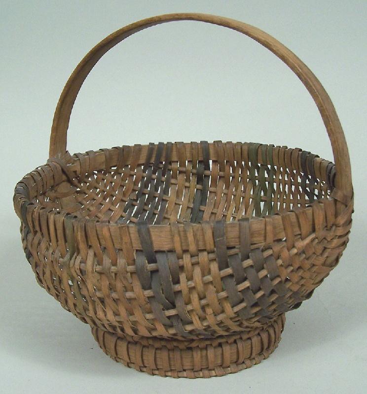 Split oak basket with handle, Southern Appalachian or Cherokee, dated 1939 (lot#108)