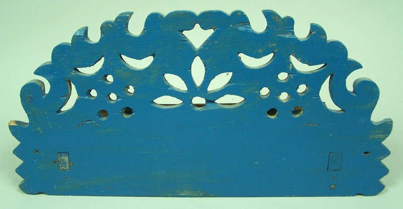Wall pocket, carved with blue paint (lot#175)