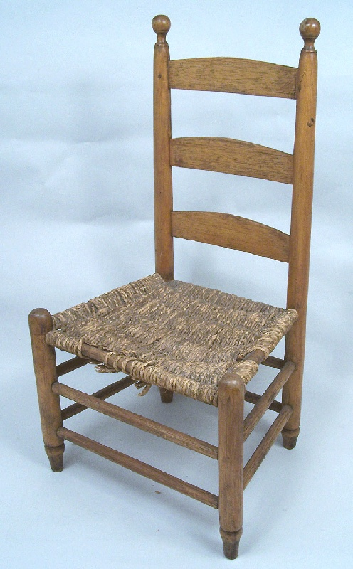 Kentucky ladderback child's chair with turned finials (lot#84)