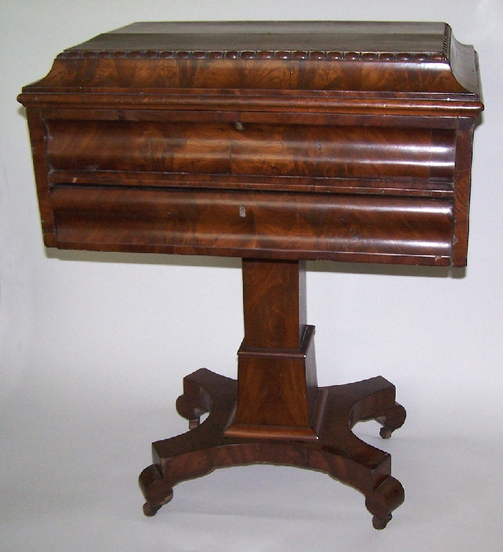 Tennessee classical mahogany sewing or work table, Overton family