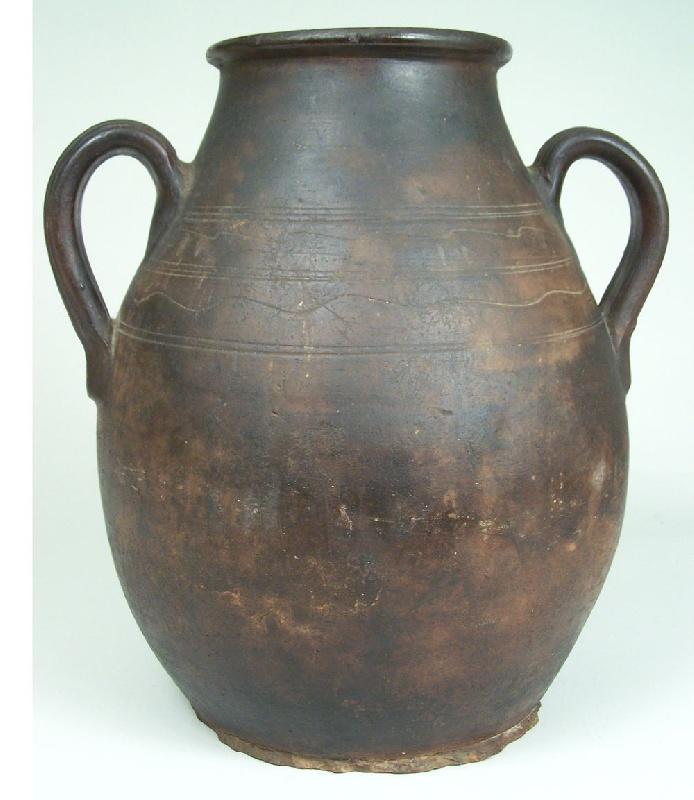 Redware jar with sine wave decoration, probably Southern (lot#163)