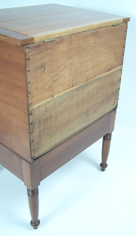 Southern sugar chest, Tennessee (lot #124)