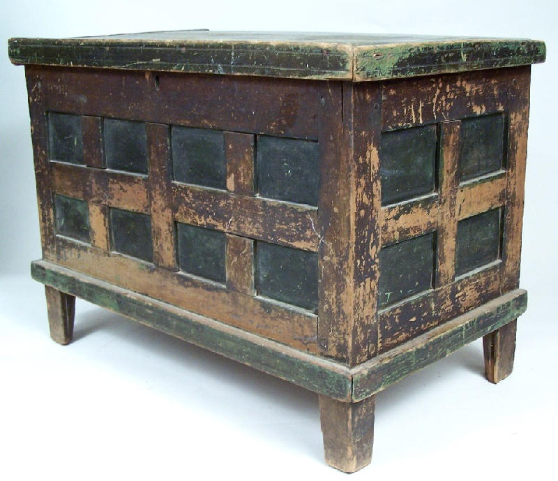 Miniature Southern painted chest with multiple panels, Virginia (lot #71)