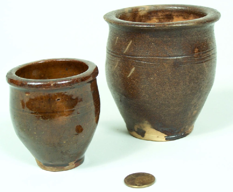 Pair of Wythe County, Virginia miniature redware pots (lot#63)